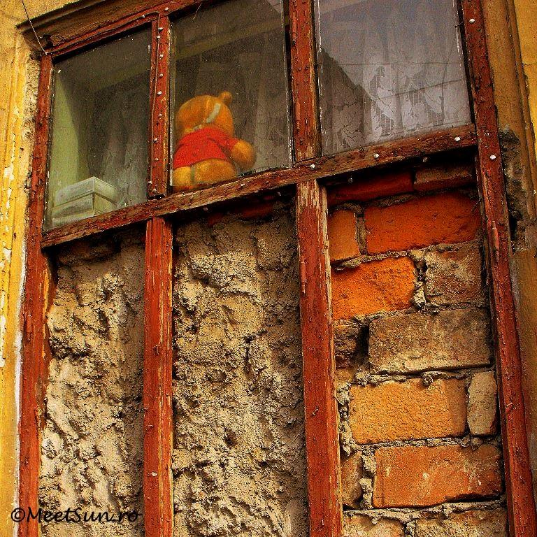 o fereastra zidita
